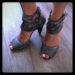 DKNY sandal